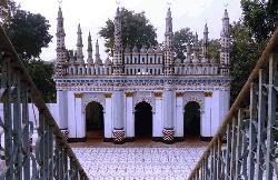 ঐতিহ্যের অনন্য নিদর্শন টাঙ্গাইলের ধনবাড়ি নওয়াব শাহী জামে মসজিদ