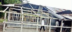 ঝড়ে ভেঙে গেছে গরীবপুরনিম্ন মাধ্যমিক বিদ্যালয়