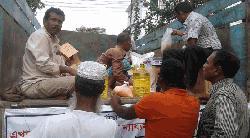 গোপালগঞ্জে টিসিবির পন্য বিক্রি শুরু