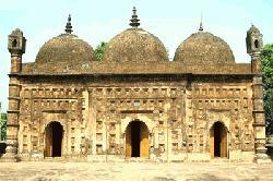 দিনাজপুরের ঐতিহ্যবাহী নয়াবাদ মসজিদটি ধ্বংসের মুখে