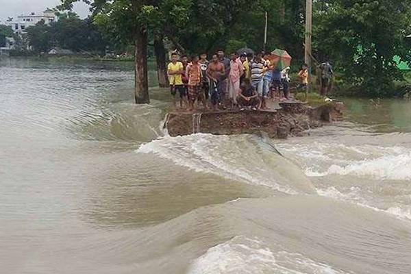 সিরাজগঞ্জে যমুনা নদীর পানি বিপদসীমার ৪৪ সে.মি. উপরে