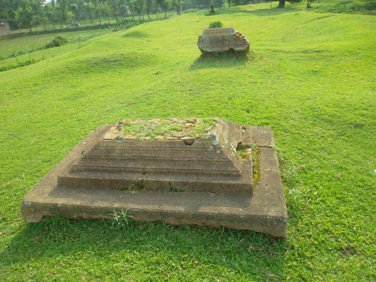 ৪শ বছরের ঐতিহ্যবাহী 'কমলা রানীর দীঘি'