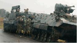 মুগাবে গৃহবন্দী, নতুন প্রেসিডেন্ট ঘোষণা সেনাবাহিনীর