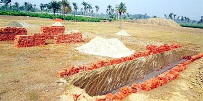 তবুও থেমে নেই মণিরামপুরের সবজি জোন এলাকায় ইটভাটা নির্মাণ