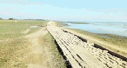 সংস্কারহীন ১৬ কিলোমিটার পথ ২২ গ্রামের দুঃখ