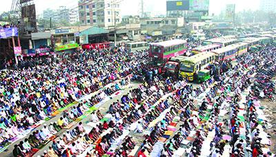 বিশ্ব ইজতেমায় লাখো মুসল্লির ঢল বৃহত্তর জুমার জামাত অনুষ্ঠিত