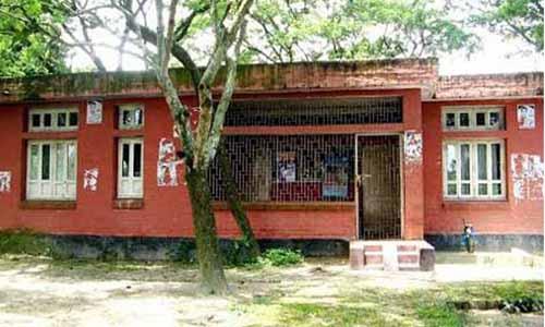সমস্যায় জর্জরিত আত্রাইয়ের শাহাগোলা উপস্বাস্থ্য কেন্দ্র