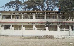 আড়াইহাজারে ১২৪ টি বিদ্যালয়ে নেই শহীদ মিনার